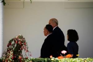 """จนท.ระดับสูงเกาหลีเหนือเข้าพบทรัมป์ส่งมอบ จม. """"คิมน้อย"""" เยือนทำเนียบขาวหนแรกรอบหลายสิบปี"""