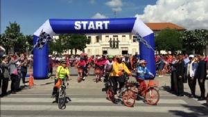 เชียงใหม่จัดงานวันสิ่งแวดล้อมโลก นำจักรยาน 300 คันแปรขบวนปั่นรณรงค์รอบเมือง