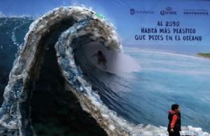 """เตือนทะเลเมดิเตอร์เรเนียนจะกลายเป็น """"ทะเลพลาสติก"""" กระทบห่วงโซ่อาหารมนุษย์"""