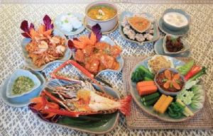 """""""บ้านขนิษฐา สุขุมวิท53"""" เสน่ห์อาหารไทยพื้นบ้าน รสชาติโดนใจ"""