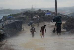 Landslides kill 11 as monsoon batters Rohingya refugees