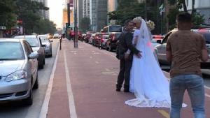 Love-struck couple crosses globe taking wedding pics