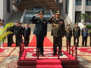 จีนใจป้ำใส่มือให้กว่า 4,000 ล้านบาท กองทัพกัมพูชาเอาไปใช้อะไรก็ได้