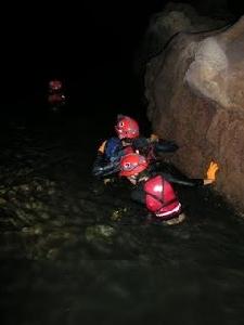 """สัมภาษณ์ 'อนุกูล สอนเอก' ผู้เคยสำรวจถ้ำหลวงขุนน้ำนางนอน """"ต้องเอาน้ำออกให้มากกว่าน้ำเข้าถึงจะช่วยเหลือออกมาได้"""""""