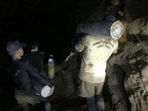 ผบ.หน่วยซีล ถึงพื้นที่ถ้ำหลวง  พร้อมปรับแผนช่วย '13 หมูป่า'