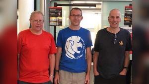 ถึงเย็นนี้! 3 นักดำน้ำที่ดีที่สุดพร้อมอุปกรณ์การช่วยเหลือจากอังกฤษ