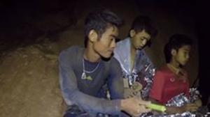"""ซีลเผย """"โค้ชเอก"""" เสียสละอาหารให้เด็ก 12 ชีวิต ระหว่างติดถ้ำหลวง"""