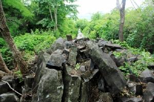 """""""น้ำตกเสาหิน""""สวยแปลกตาน่าทึ่ง หนึ่งเดียวในไทย อันซีนวิเชียรบุรี(ที่มีมากกว่าไก่ย่าง)/ปิ่น บุตรี"""