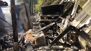 ระทึก! ไฟไหม้บ้านพักเสี่ยฟาร์มหมูวอด 2 หลัง เสียหายหลายล้าน