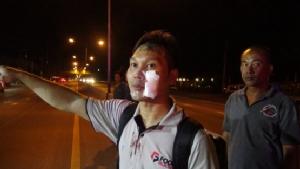 กระบะชนคนงานพม่าวิ่งข้ามถนน คอหักเสียชีวิตคาที่