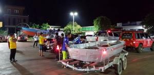 ฮุก 31-ชมรมดำน้ำโคราชส่งหน่วยกู้ภัยทางน้ำพร้อมเรืออุปกรณ์รุดช่วยชาวลาวประสบภัยเขื่อนแตก