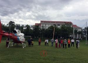 บริษัทเวียดนามส่ง ฮ.นำลูกจ้าง 26 คนออกจากพื้นที่น้ำท่วมเหนือเขื่อนพังในลาว