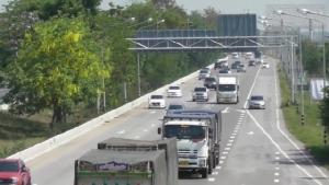 ประชาชนแห่เดินทางวันช่วงหยุดยาว ทำถนนสายเอเชียการจราจรหนาแน่น
