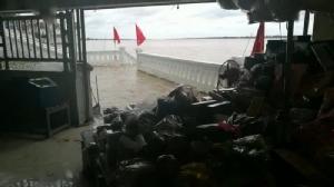 ท่วมแล้วชั้นใต้ดินตลาดอินโดจีนมุกดาหาร น้ำเหนือทะลัก-เขื่อนน้ำงึมในลาวเร่งปล่อยน้ำออก