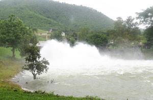 สถานการณ์น้ำเขื่อนแก่งกระจาน วันนี้ปริมาณน้ำสูงร่วม 95%