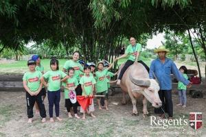 """ร.ร.นานาชาติเดอะรีเจ้นท์ สร้างเด็ก 2 วัฒนธรรม """"ไทย-ฝรั่ง"""" น่ารักในสังคมไทย อยู่ได้ในสังคมโลก"""