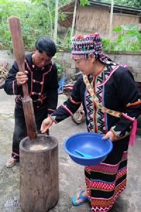ตะลุยชิมของกินอร่อยเด็ด จาก 5 ชนเผ่าที่บ้านแม่แอบ