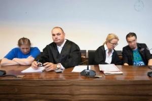 คดีช็อก!! แม่เยอรมนีเร่ขายลูกชายทางออนไลน์ให้พวกวิปลาสตุ๋ยเด็ก ศาลสั่งจำคุก 12 ปี