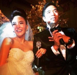 ใจหายใจคว่ำ! เจ-จักษวัชร์ โพสต์รูปคู่สาวในชุดแต่งงาน