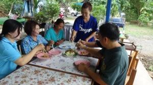 แชมป์ผัดไทย 3 สมัยต่อยอดรวมกลุ่มผลิตน้ำปรุงรสผัดไทยขายสร้างรายได้ให้ชุมชน