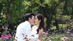 """ซีนหวาน """"แก้ว - ไนกี้"""" จูบมา จูบกลับไม่โกง"""