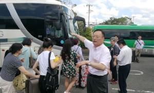 ประชาชนต้องมาก่อน! นักท่องเที่ยวจีนชื่นชมสถานกงสุลจีนช่วยอพยพจากสนามบินคันไซ