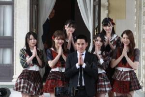 เปิดตึกไทยคู่ฟ้า ต้อนรับไอดอลญี่ปุ่น AKB48 วงพี่ BNK48