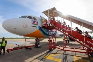 """เครื่องบิน""""สีสันธารา"""" สื่อลอยฟ้าพีอาร์เมืองไทย งดงามไม่ธรรมดา อวดสายตาต่อชาวโลก"""