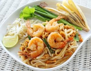 """จัดอร่อยมหัศจรรย์ """"เทศกาลผัดไทย"""" อิ่มโดนใจกับผัดไทย 5 สูตรอร่อย โดย อ.มัลลิการ์ ที่ร้านเย็นตาโฟเครื่องทรง"""