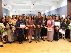 ชวนชมนิทรรศการศิลปินหญิงนานาชาติ ครบรอบ 10 ปีกลุ่มศิลปินหญิงไทย-มาเลเซีย (คลิป)