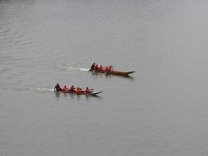 ชาวบ้านตาพะเยา จ.ยะลา จัดกิจกรรมแข่งเรือประจำปี ออกร้านแสดงสินค้าโอทอปนวัตวิถี