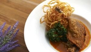 อร่อยปักหมุด 10 เมนูอาหารเส้นใจกลางเมือง ณ ย่านราชประสงค์