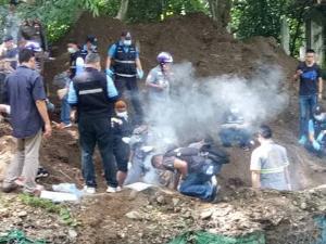"""ตร.หิ้ว """"หนาน น.-ทีมมือปืน"""" สอบเครียด โยงคดีฆ่าฝังดินเศรษฐีฝรั่ง-เมียไทยคาบ้านกลางป่าช่อแฮ"""