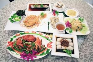 """""""ส.บ.ล. ภัตตาคารสมบูรณ์ลาภ"""" ร้านอาหารจีนสุดเก๋าย่านวังบูรพา เลิศรสนานาเมนูจีนแต้จิ๋ว"""