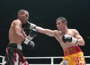 """""""ศรีสะเกษ"""" หืดจับ ชนะคะแนน """"ดิอาซ"""" ป้องแชมป์ WBC 115 ปอนด์"""