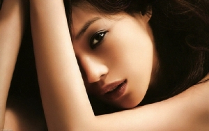 """""""ซูฉี"""" จากนักแสดงหนังโป๊ สู่ดาราภาพยนตร์ฟอร์มยักษ์"""