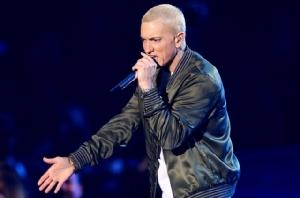 """""""Eminem"""" Rapper ผิวขาวคนแรกที่ได้รับฉายา """"ราชาเพลง Rap"""""""