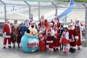 ซานตาคลอสจากเดินทางมาญี่ปุ่น ปีนปล่องไฟ ฝึกวิชานินจา