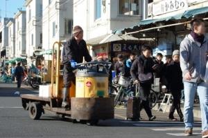 """รู้จักรถ """"ทาเล"""" เอกลักษณ์ญี่ปุ่น คู่ตลาดสึกิจิ (ชมคลิป)"""