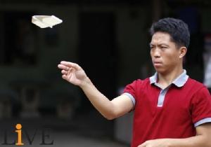 """9 ปีที่รอคอย """"หม่อง ทองดี""""  แชมป์ร่อนกระดาษ ถือสัญชาติไทย-ดังไกลระดับโลก!! [มีคลิป]"""