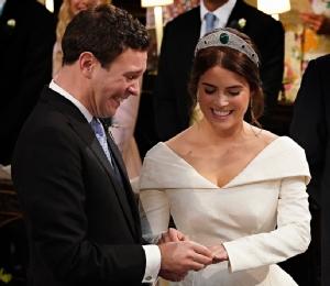 In Pics: ประมวลภาพพิธีเสกสมรส 'เจ้าหญิงยูจีนี' ราชนัดดาควีนอังกฤษ
