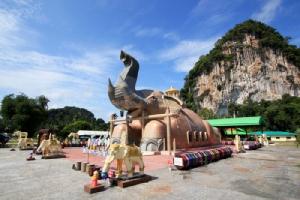 """""""วัดถ้ำปราสาทนาฬาคิริง"""" ชมถ้ำงาม อลังการอุโบสถช้างแห่งเดียวในไทย"""