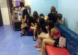 ลาวเร่งกวาดสาวๆในเวียงจันทน์ชี้เป้าเกือบ 900 แห่งสุดหน่ายยิ่งปราบยิ่งเยอะ