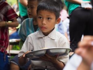 """เทสโก้ โลตัส ชวนคนไทยร่วมสมทบทุนบริจาค """"อาหารดีพี่ให้น้อง"""" เทอมที่ 3"""