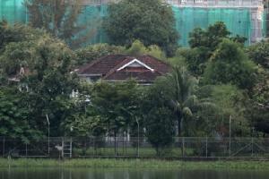 """พี่ชาย """"อองซานซูจี"""" ยื่นอุทธรณ์หาทางขายบ้านริมทะเลสาบในย่างกุ้ง"""