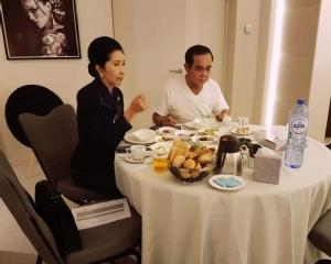นายกฯ โชว์รูปกินข้าวเช้ากับภริยาที่เบลเยียม เผยต้องแยกทำภารกิจ คิดถึงประเทศ