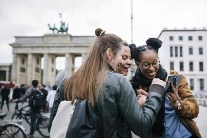 """8 เทรนด์ท่องเที่ยวปี 2019  เน้นแลกเปลี่ยนวัฒนธรรม และแนวคิด """"Less is more"""""""