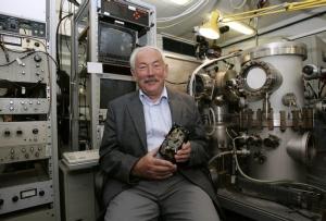 Peter Grunberg นักฟิสิกส์โนเบลปี 2007 ผู้พบปรากฏการณ์ GMR ที่ได้ปฏิรูปเทคโนโลยีหน่วยเก็บข้อมูล