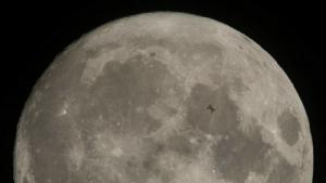 ยังกับหนังไซไฟ!!จีนทำฮือฮาวางแผนสร้าง'ดวงจันทร์เทียม'สาดแสงลงมาจากอวกาศ