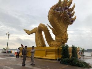 คาดปีนี้มีนักท่องเที่ยวมาชมปรากฎการณ์บั้งไฟพญานาค บริเวณหน้าวัดไทย อ.โพนพิสัย จ.หนองคาย นับแสนคน